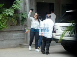 Photos: Kareena Kapoor Khan, Saif Ali Khan, Jeh Ali Khan snapped in Bandra