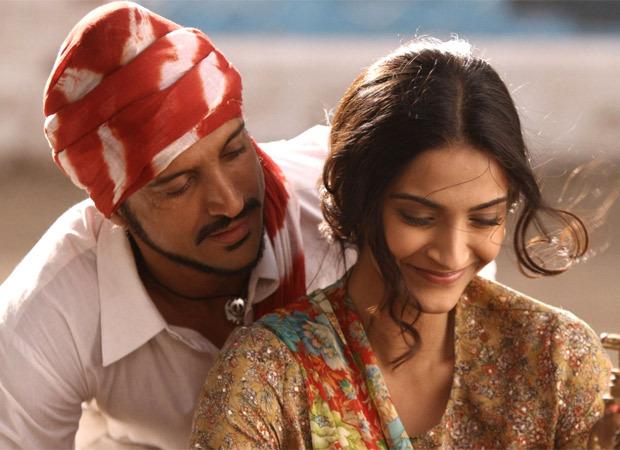 सोनम कपूर को 'भाग मिल्खा भाग' में उनकी भूमिका के लिए सिर्फ 11 रुपये की पेशकश की गई थी