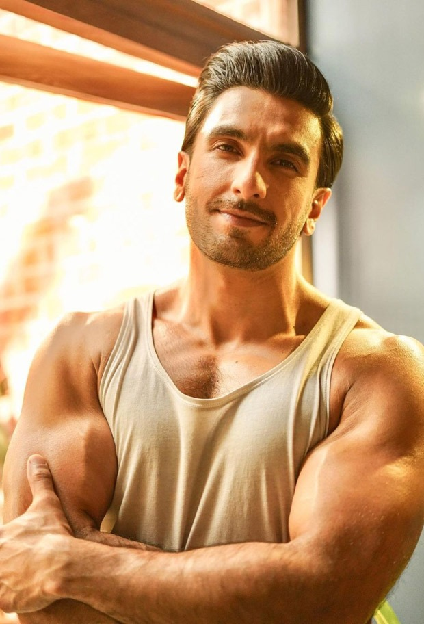 Ranveer Singh flaunts his ripped figure; check out pictures