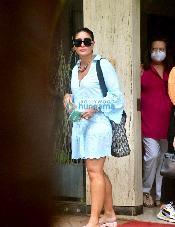 Photos: Kareena Kapoor Khan, Karisma Kapoor and Babita Kapoor snapped in Bandra