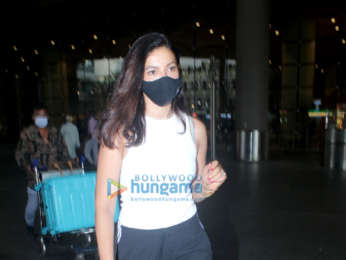 Photos: Siddharth Malhotra, Urvashi Rautela, Amyra Dastur and others spotted at the airport