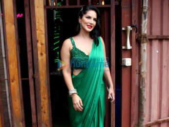 Photos: Sunny Leone spotted at shoot location in Versova