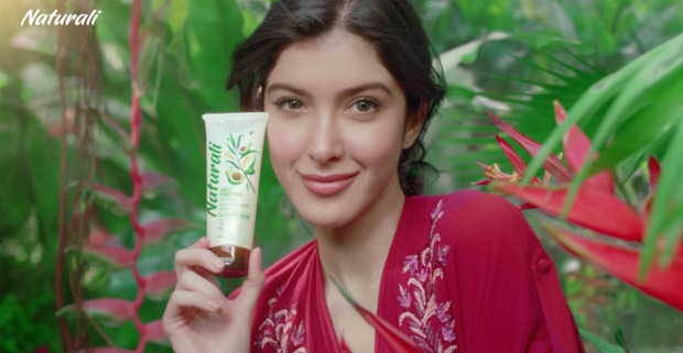 Kriti Sanon and Shanaya Kapoor become part of hair care & skincare products of Naturali brand