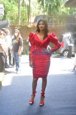 Photos: Shilpa Shetty spotted at a store opening
